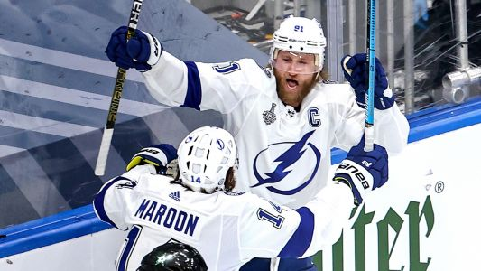 Lightning's Steven Stamkos returns, scores goal in Stanley Cup Final Game 3