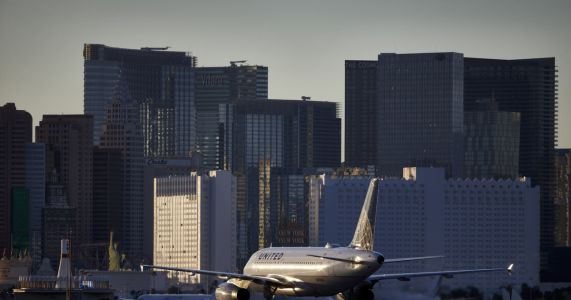 Officials: Vegas air controller who went silent has resigned