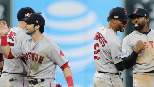 Red Sox radio voice Joe Castiglione falls out of chair calling Andrew Benintendi's game-saving catch