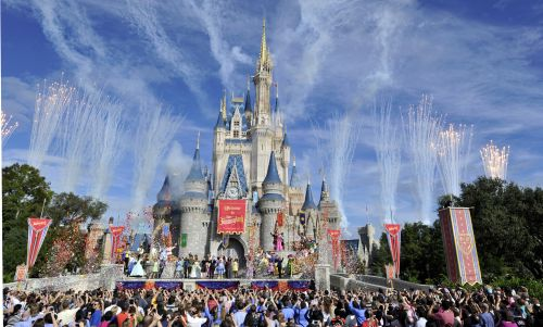 Disney hiring 3,500 people, offering up to $3,000 signing bonuses