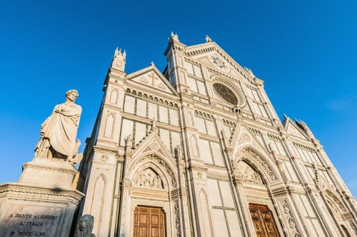 Tourist killed in famous church by falling chunk of ceiling