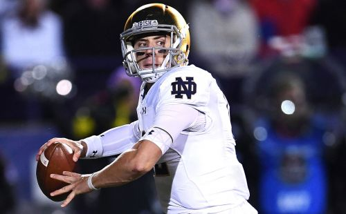 Notre Dame demolishes South Florida to extend home win streak