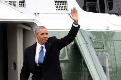 Barack Obama Returning, to Speak at Chicago Event