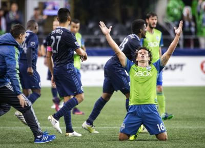 Nelson Valdez ends yearlong scoring drought just in time to advance Sounders in MLS playoffs
