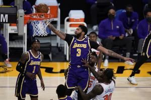 Horton-Tucker comes up big in OT as Lakers edge Knicks