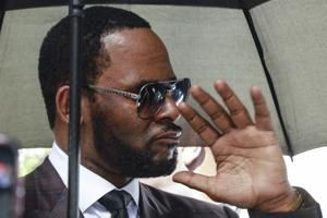 Alleged sex tape in R. Kelly case turned over to defense