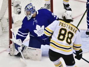 Pastrnak scores twice, Bruins beat Maple Leafs to tie series