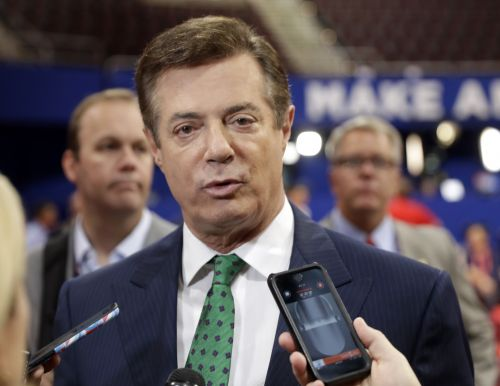 Emails show Manafort offered to give Russian 'private briefings' on campaign