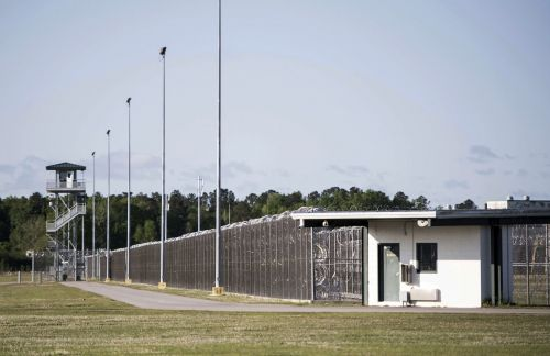 Fighting inside South Carolina maximum-security prison leaves 7 inmates dead, 17 injured