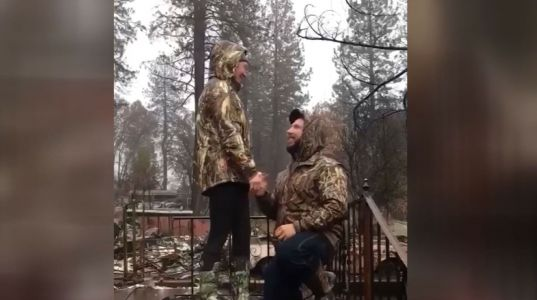 Couple gets engaged on doorstep of home they shared before wildfire destroyed it