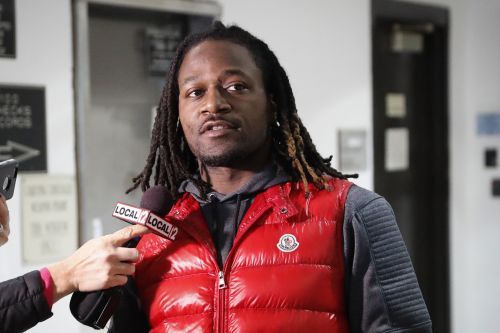 Pacman Jones allegedly attacked in bizarre airport fight