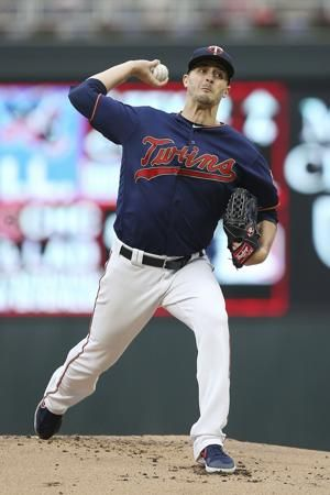 Odorizzi wins, Twins rally past Royals 5-4 after Mauer honor