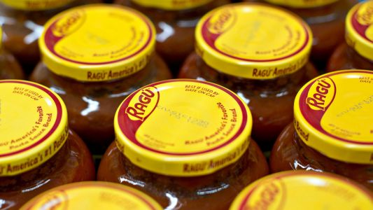 Company recalling some Ragú pasta sauces because they may contain plastic bits