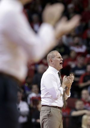 Palmer scores 19, leads Huskers in 72-52 rout of Michigan