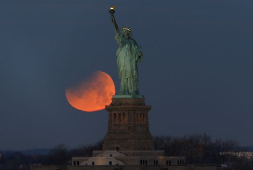 See Stunning Photos of the Super Blue Blood Moon Lunar Eclipse