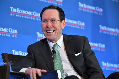 AT&T CEO Randall Stephenson gets robocall during interview