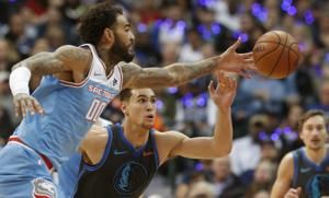 Hield, Fox help Kings end Mavs' home winning streak, 120-113