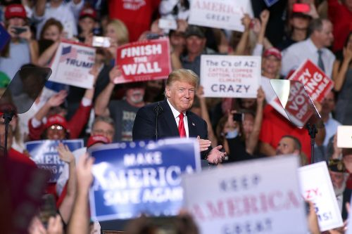 Trump rallies in Clinton-won districts ahead of midterms