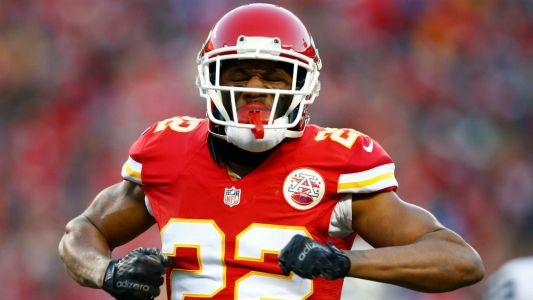 Rams close to deal to acquire Marcus Peters from Chiefs, reports say