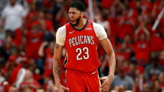 Anthony Davis injury update: Pelicans star to see hand specialist, could miss 2-4 weeks, report says