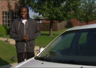 Strangers buy car for Texas man who walked miles to work