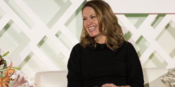 A Microsoft exec and marathoner holds business meetings while running - and goes just fast enough that her negotiating partners can't talk
