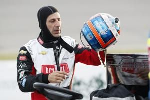Kanaan to pair with Johnson to drive oval races for Ganassi