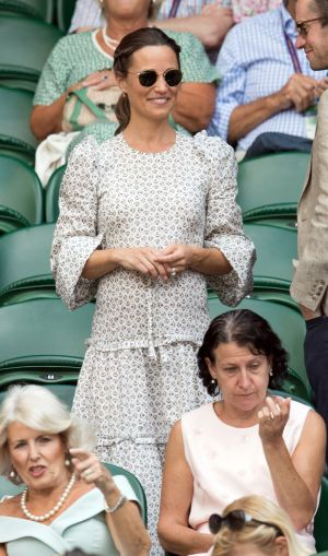 Pippa Middleton gives birth to a baby boy