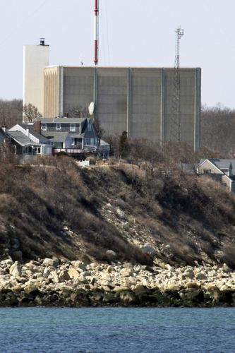Risks, rewards accompany speedier cleanup of closed nukes