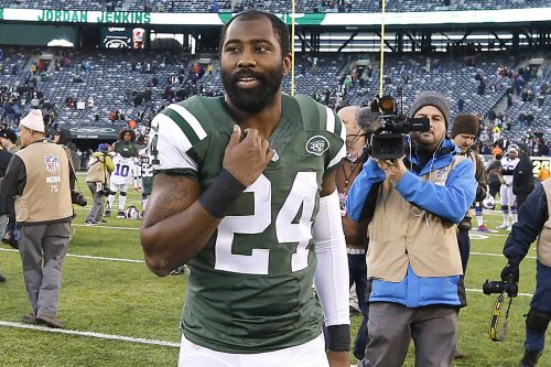 Darrelle Revis is back in the NFL