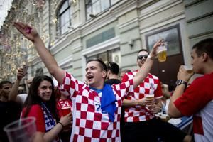 The Latest: French fans pack World Cup fan zones for final