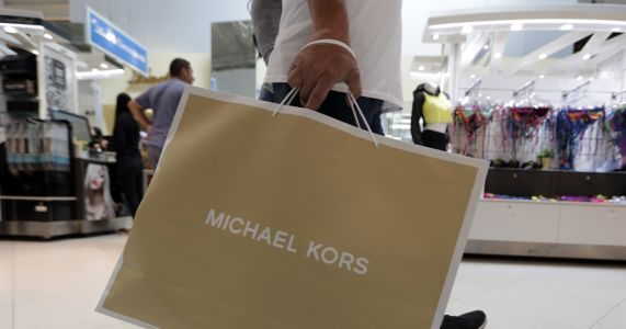 US retail sales rose scant 0.2% in November