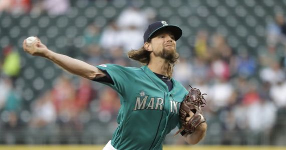 Mike Leake loses perfect game bid on leadoff single in the ninth