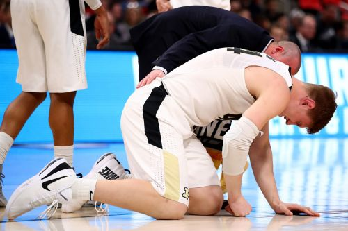 Isaac Haas Reportedly Practiced Despite Fracture, May Play Through Elbow Injury