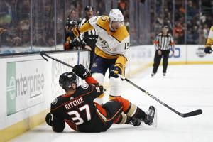 Ducks win 2-1 in shootout to hand Predators 1st road loss
