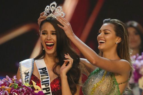 Miss Philippines, Catriona Gray, crowned new Miss Universe