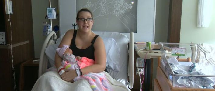 Woman forced to deliver her own baby in Taco Bell parking lot