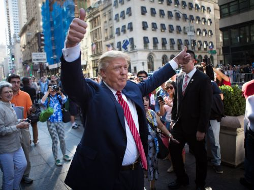 Trump called Amazon's abrupt New York HQ2 cancellation a 'big loss' and blamed the 'radical left' for the outcome