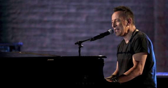Bruce Springsteen performs at benefit at bowling ally
