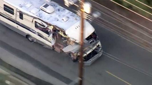 VIDEO: Wild chase of stolen RV ends with injuries in Los Angeles