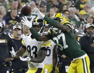 Aaron Rodgers throws TD pass, Packers top Steelers 51-34