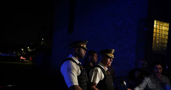 31 shot, 5 fatally, so far in Chicago during Memorial Day weekend