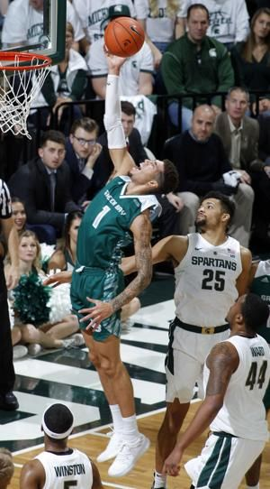 Ward's big day helps No. 9 Michigan St rout Green Bay 104-83