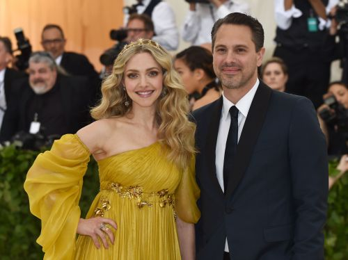 Amanda Seyfried wants to have a big wedding after all