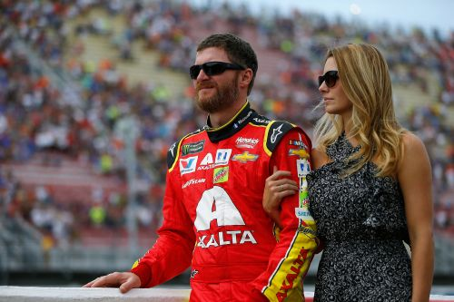 Dale Earnhardt Jr., wife survive fiery plane crash