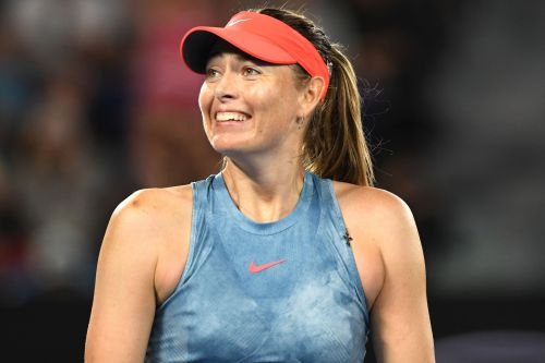 Maria Sharapova ousts defending champion Wozniacki