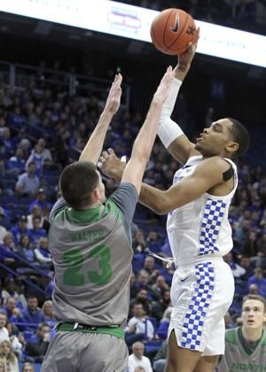No. 10 Kentucky coasts past North Dakota 96-58