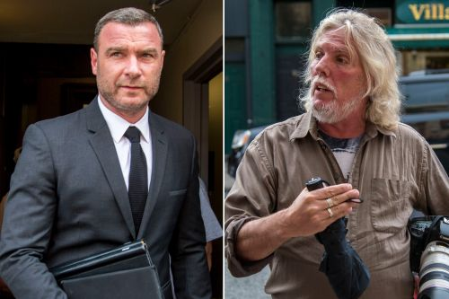 Liev Schreiber says he 'never touched' photog accusing him of assault
