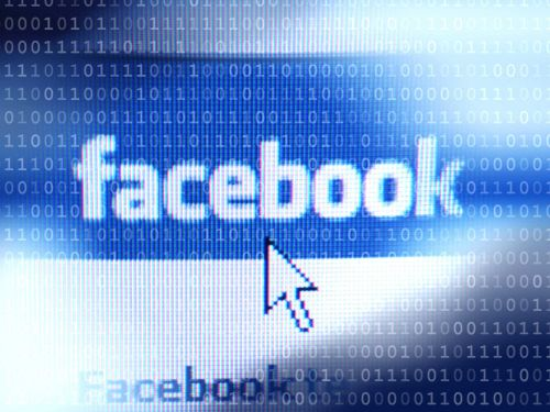 Facebook leaves millions of passwords readable by employees