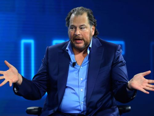 Marc Benioff just doubled down on comparing Facebook to cigarettes, saying people urgently need protecting from the social network
